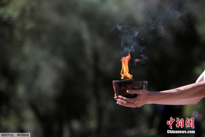 北京冬奥会火种在希腊古奥林匹亚成功采集