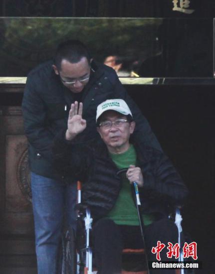 资料图:2015年1月5日,台湾当局前领导人陈水扁获准保外就医。中新社发 路梅 摄