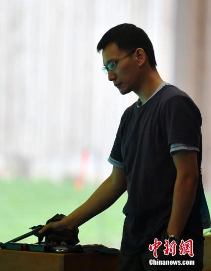 专访美籍华人石晶:为东京奥运会备战10米气手枪