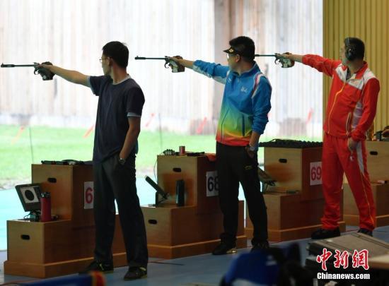 """奥运冠军折戟""""枪战"""" 华人华侨首次参赛"""