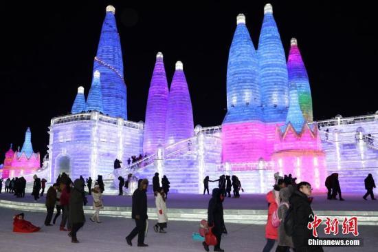 文旅部提醒游客冰雪旅游