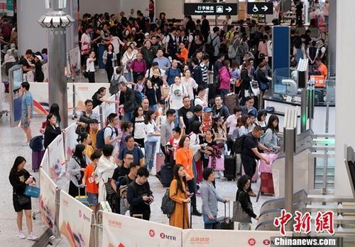 高额退票费、大数据杀熟……在线刘伯温四肖中特料2018成投诉重灾区