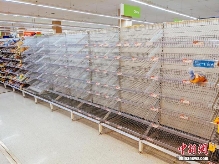 """维州代理州长梅里诺宣布,从27日晚12时开始,维州将进入为期7天的""""阻断式""""封锁期。 图片来源:视觉中国"""